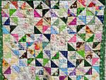 All over quilting design: Loose to moderate