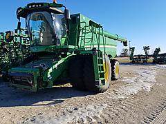 2012 John Deere S680 Combine 8211 SOLD