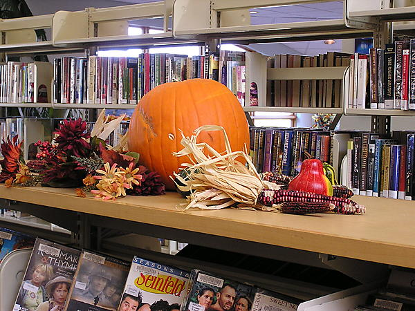ON HALLOWEEN COME TO THE LIBRARY TO SEE IF YOU GET A TRICK OR A TREAT